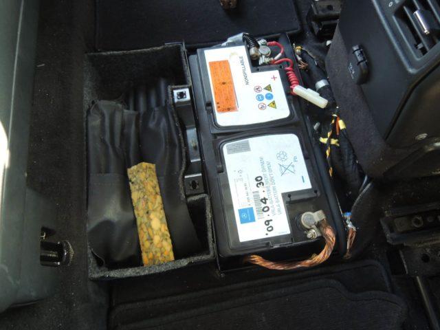ベンツGクラスのバッテリー交換